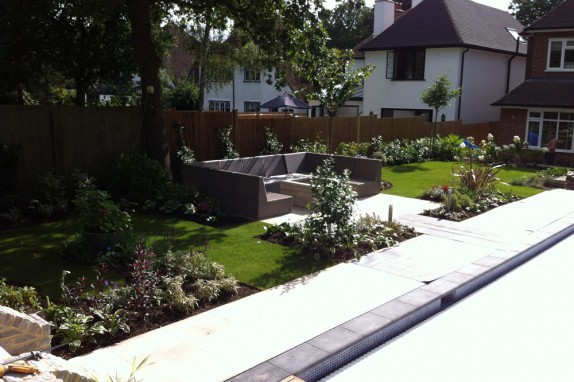 Entertainment Garden With Swimming Pool Accent Garden