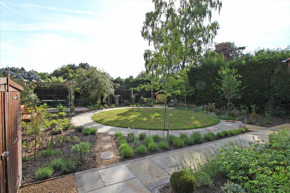Small sunny rear garden accent garden designs for Sunny landscape designs