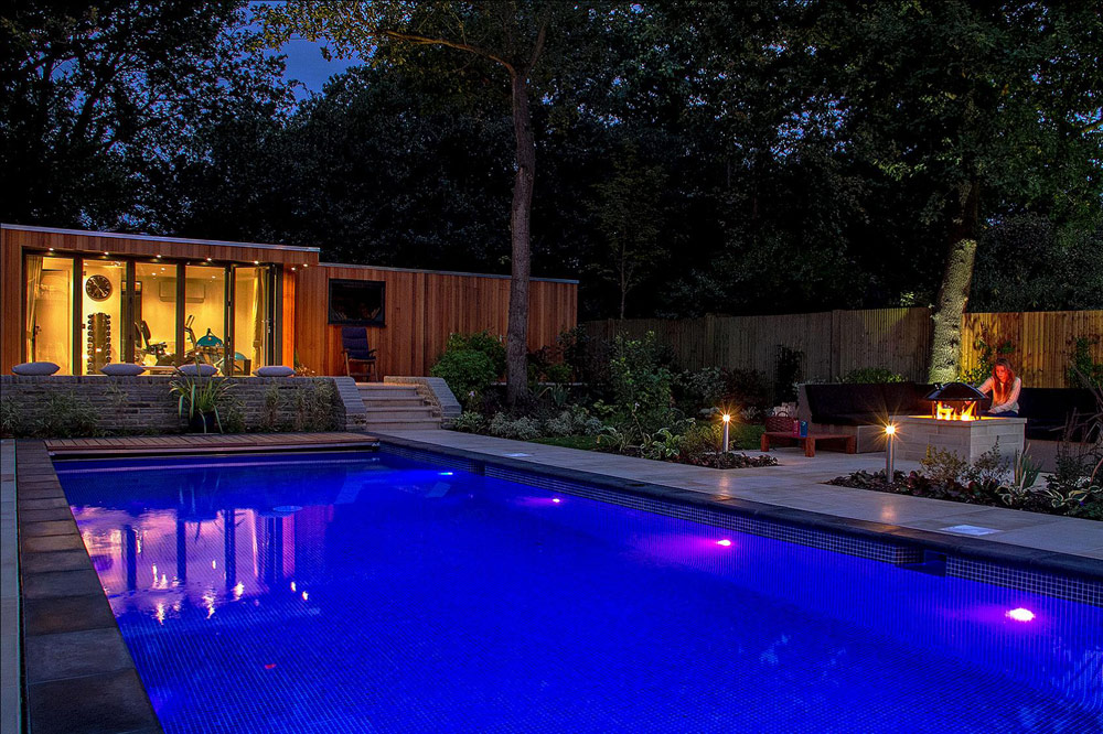 Swimming Pool Entertainment : Entertainment garden with swimming pool accent