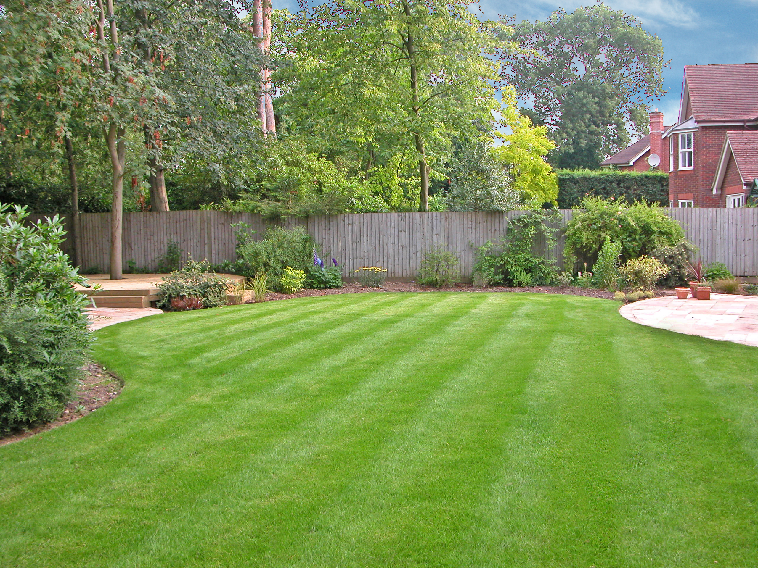 Large family garden accent garden designs for Designing a large garden from scratch