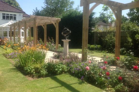Large garden with views over fields accent garden designs for Big garden design